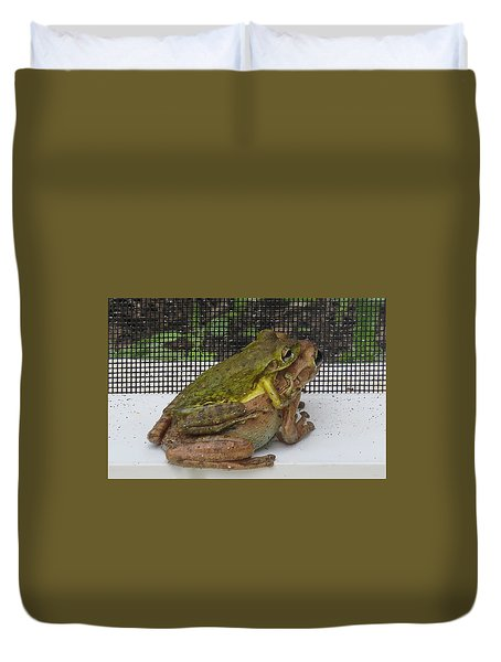 Duvet Cover featuring the photograph Froggy Love by Melinda Saminski