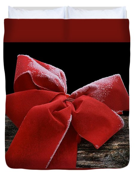 Duvet Cover featuring the photograph Frosted Bow by Nikolyn McDonald