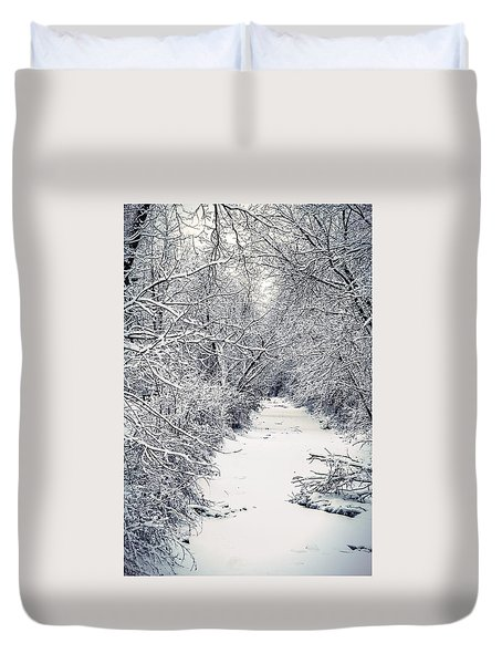 Duvet Cover featuring the photograph Frosted Feeder by Kendall McKernon