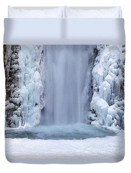 Frozen Multnomah Falls Closeup Duvet Cover by David Gn