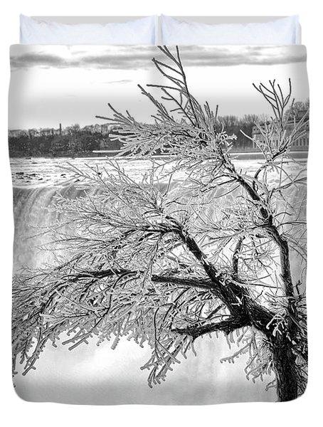 Frozen Tree Near Niagara Falls Duvet Cover