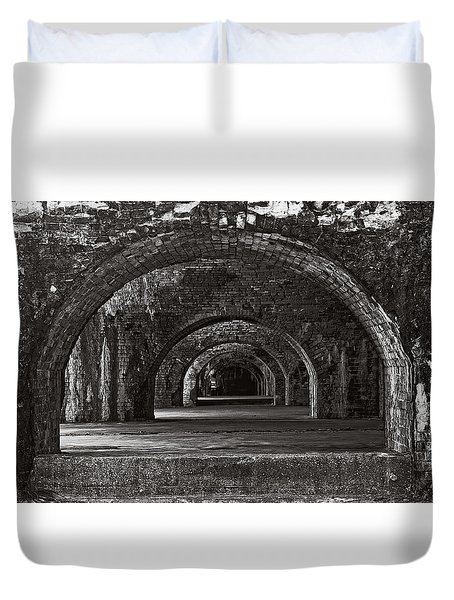 Ft. Pickens Arches Bw Duvet Cover