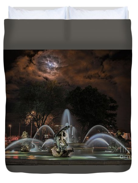 Full Moon At The Fountain Duvet Cover