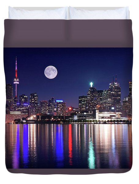 Full Moon In Toronto Duvet Cover