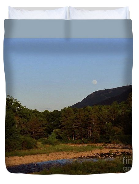 Full Moon Over Hunter West Duvet Cover