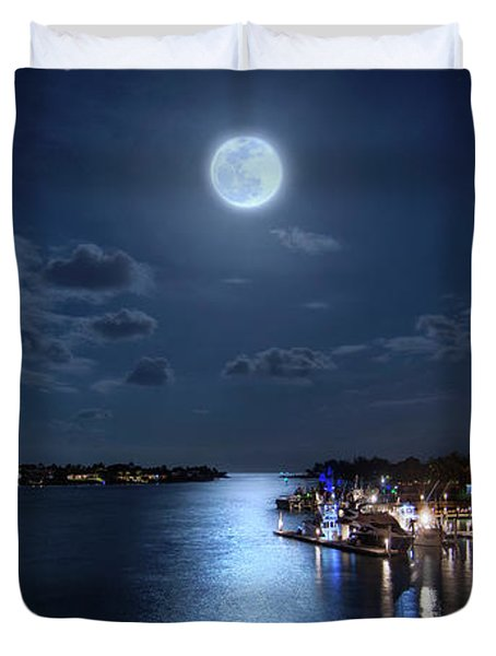 Full Moon Over Jupiter Lighthouse And Inlet In Florida Duvet Cover