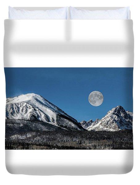 Full Moon Over Silverthorne Mountain Duvet Cover