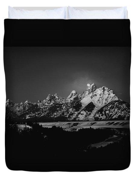 Full Moon Sets In The Tetons Duvet Cover