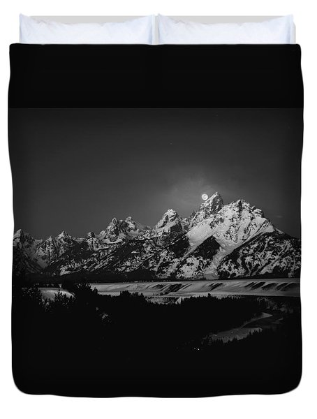 Full Moon Sets In The Tetons Duvet Cover