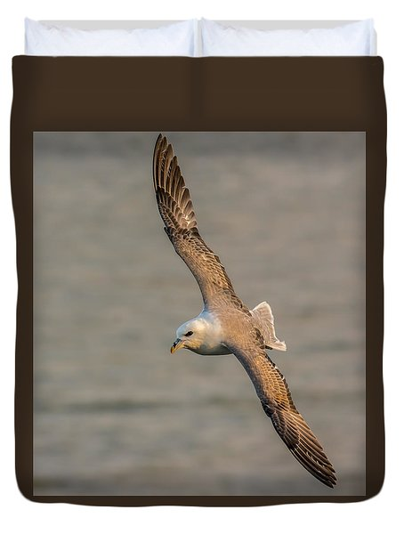Fulmar In Flight Duvet Cover