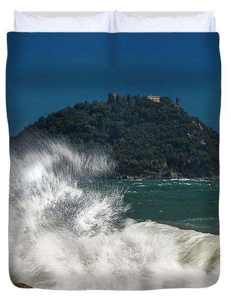 Gallinara Island Seastorm - Mareggiata All'isola Gallinara Duvet Cover