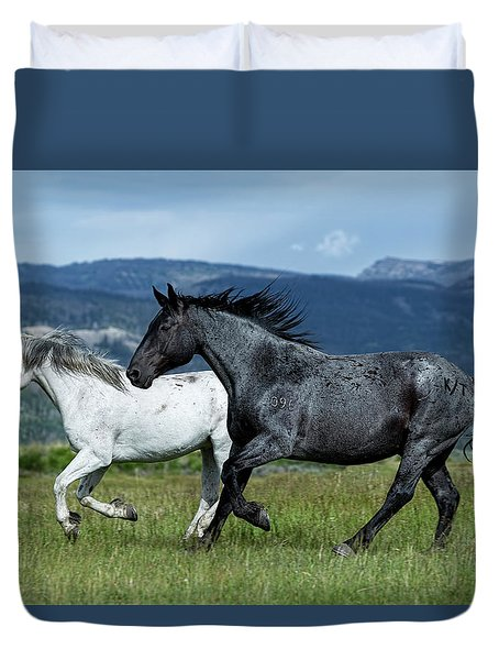 Galloping Through The Scenery In Wyoming Duvet Cover