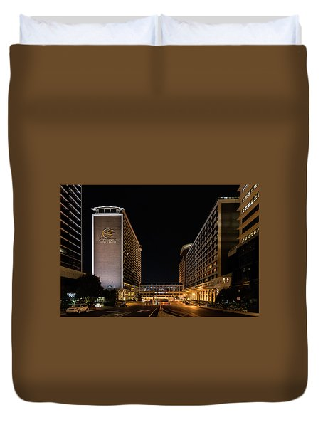 Duvet Cover featuring the photograph Galt House Hotel And Suites At Night by Randy Scherkenbach