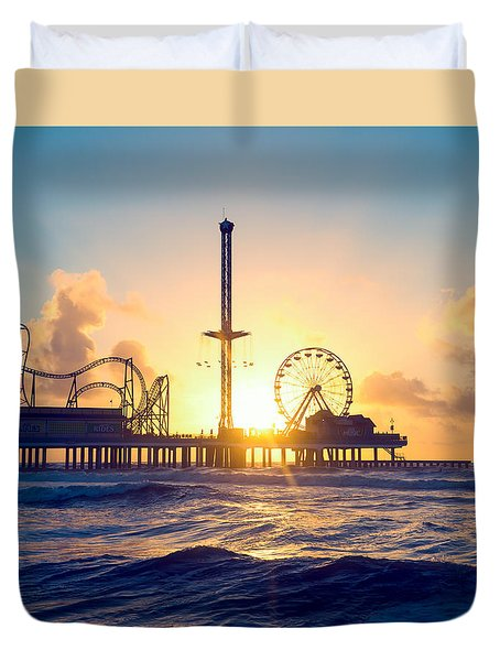 Duvet Cover featuring the photograph Galveston Sunrise Waves by Ray Devlin