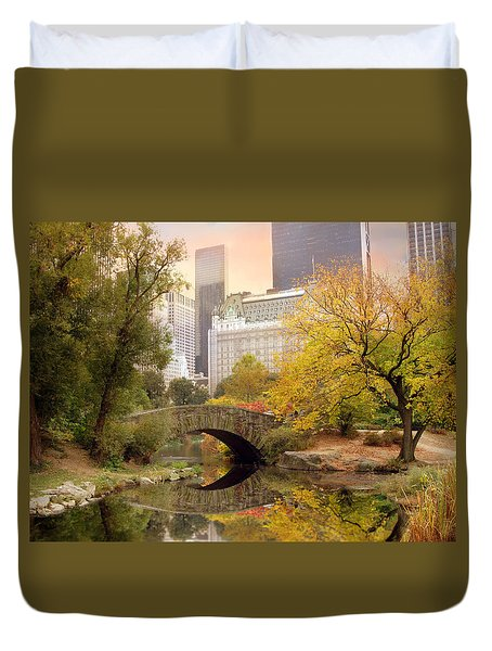 Gapstow Bridge Reflections Duvet Cover