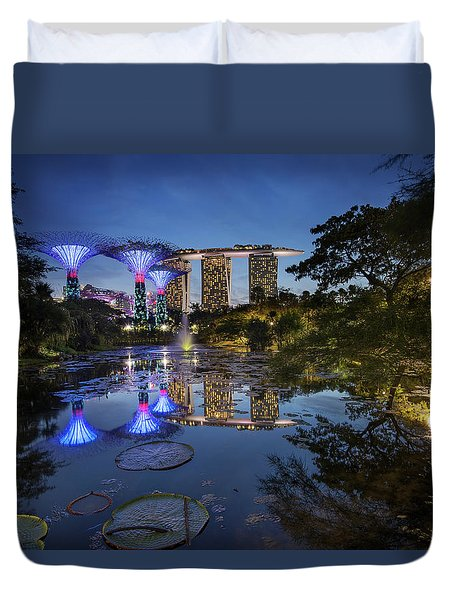 Duvet Cover featuring the photograph Garden By The Bay, Singapore by Pradeep Raja Prints