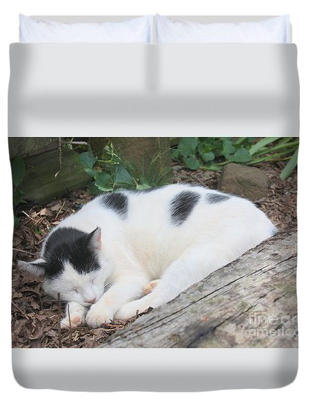 Garden Kitty 5 Duvet Cover by Wendy Coulson