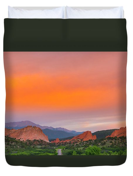 Duvet Cover featuring the photograph Garden Of The Gods Sunset by Tim Reaves