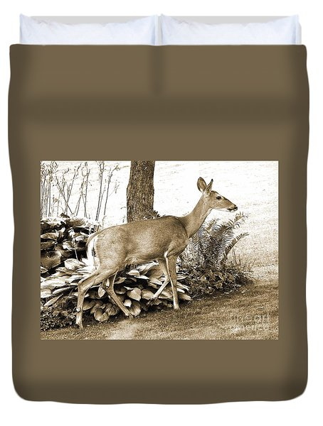 Duvet Cover featuring the photograph Garden Visitor by Betsy Zimmerli