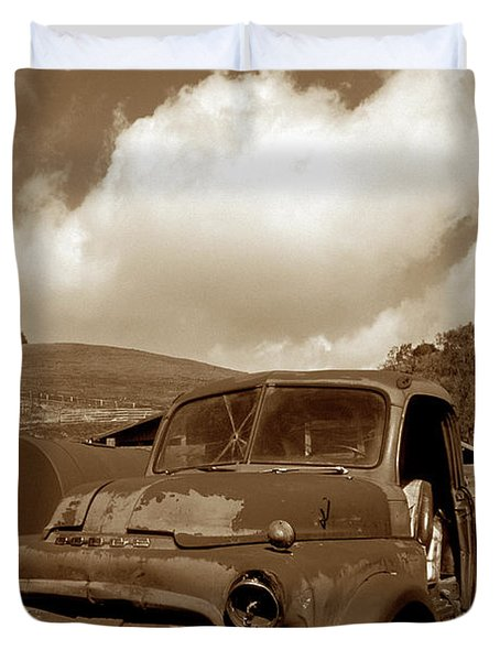 Garrod's Old Truck 2 Duvet Cover by Kathy Yates