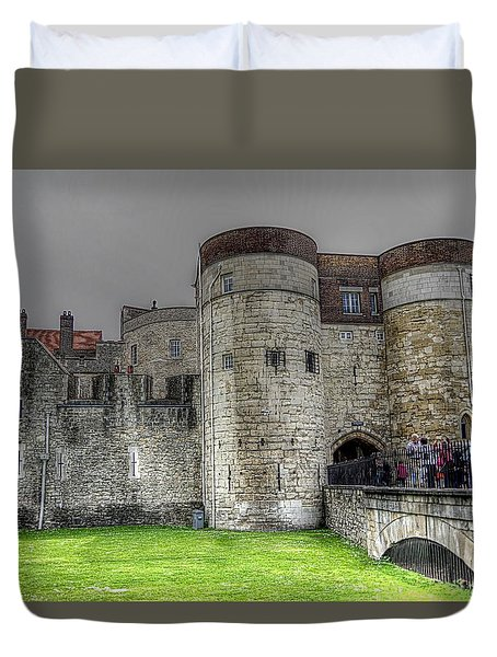 Gates To The Tower Of London Duvet Cover