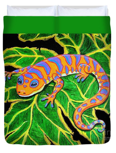 Gecko Hanging On Duvet Cover by Nick Gustafson
