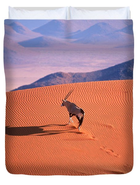 Gemsbok Duvet Cover by Eric Hosking and Photo Researchers
