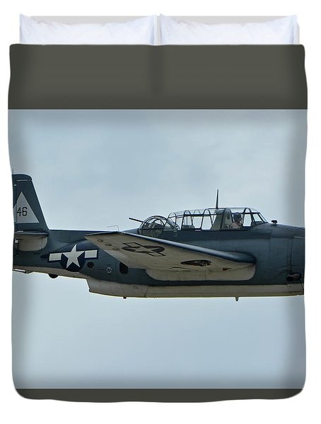 General Motors Tbm-3e Avenger Nx7835c Chino California April 30 2016 Duvet Cover by Brian Lockett