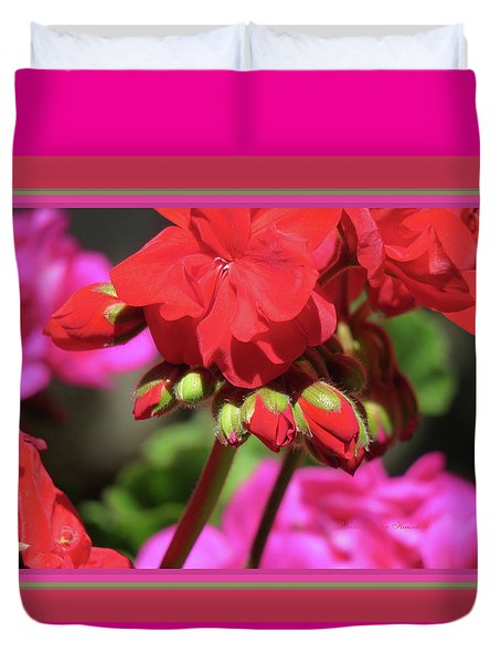 Geranium Blossoms And Buds - Matted Duvet Cover