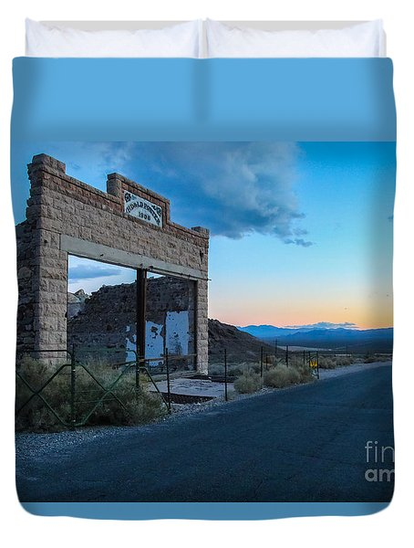 Ghost Town At Sundown Duvet Cover