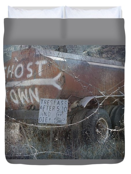 Ghost Town Tanker Duvet Cover by Bill Dutting