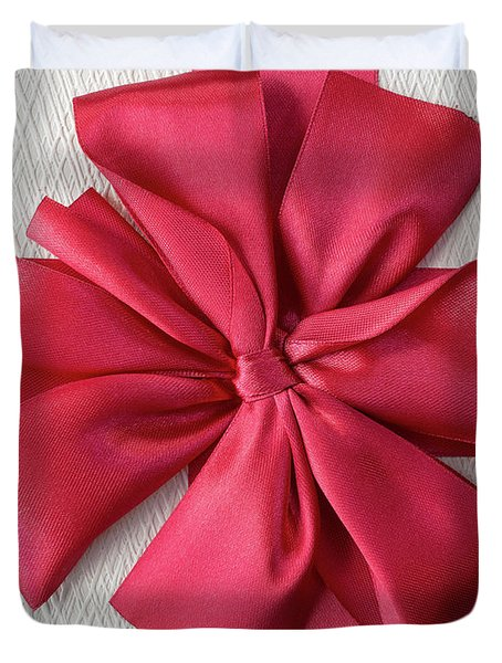 Gift Box With Red Bow Duvet Cover