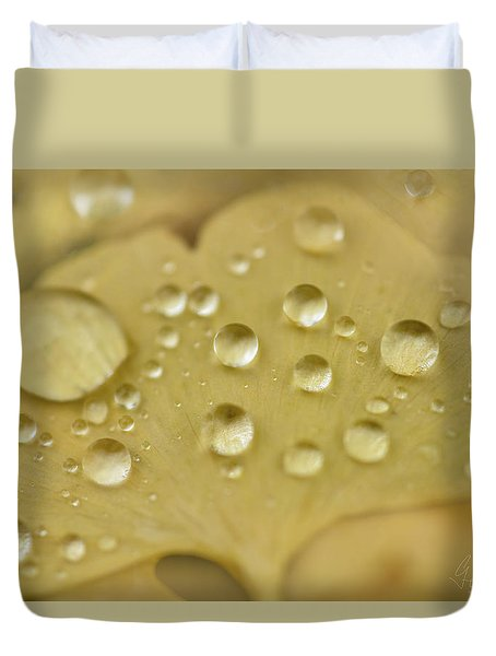 Duvet Cover featuring the photograph Ginkgo Balls by Gene Garnace