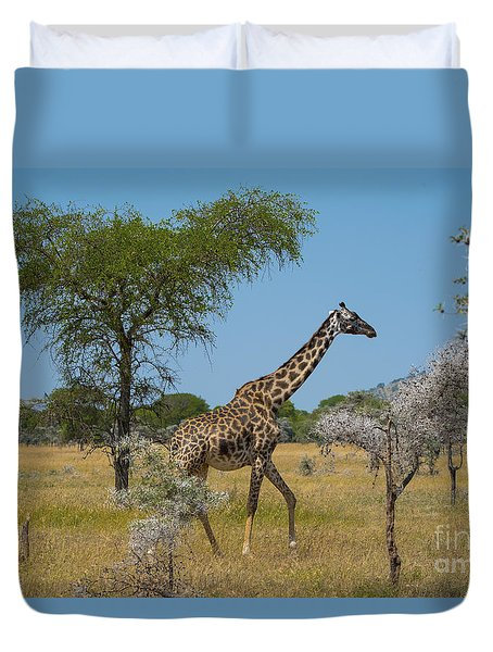 Giraffe On The Move Duvet Cover
