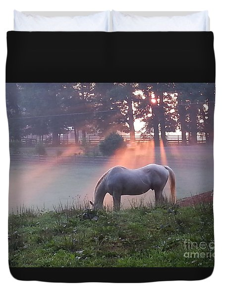 Gitchie And The Sunrise Duvet Cover