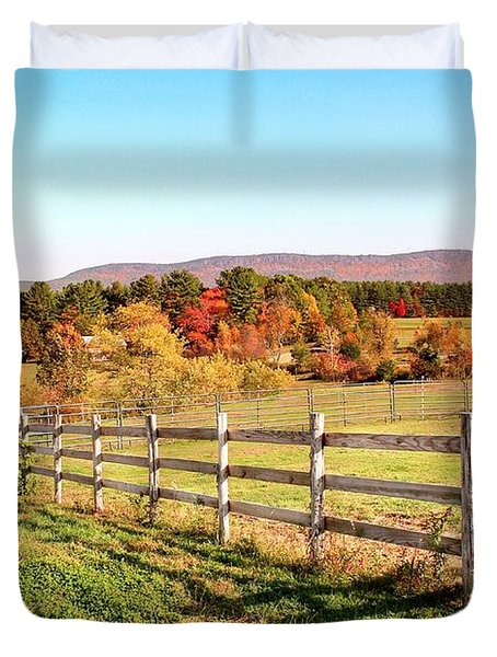Glendale Road View In The Fall Duvet Cover