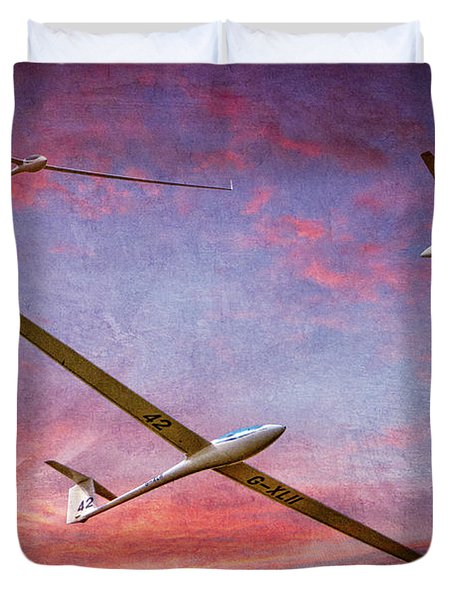 Gliders Over The Devil's Dyke At Sunset Duvet Cover