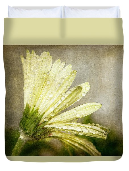 Glistening After The Rain Duvet Cover by Eleanor Abramson