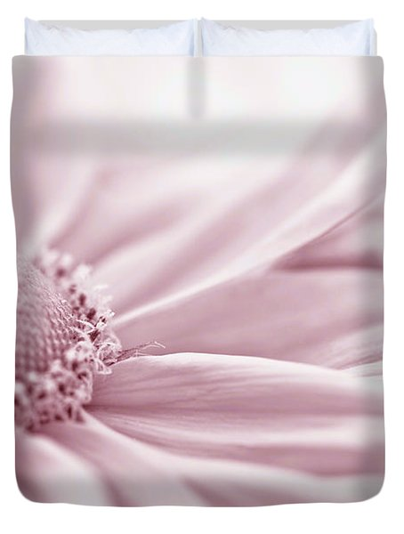 Gloriosa Daisy In Pink  Duvet Cover by Sandra Foster
