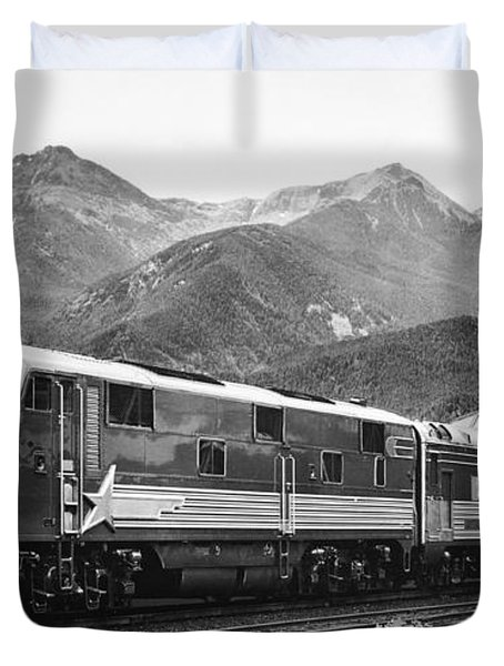 Gm Train Of Tomorrow Duvet Cover