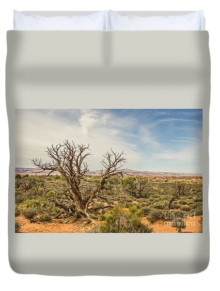 Gnarled Juniper Tree In Arches Duvet Cover by Sue Smith