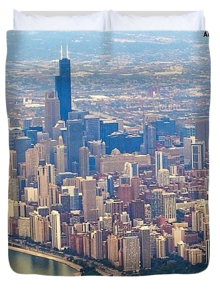 Going In For A Landing At #chicago Duvet Cover