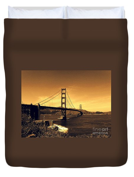 Iconic Golden Gate Bridge In San Francisco Duvet Cover