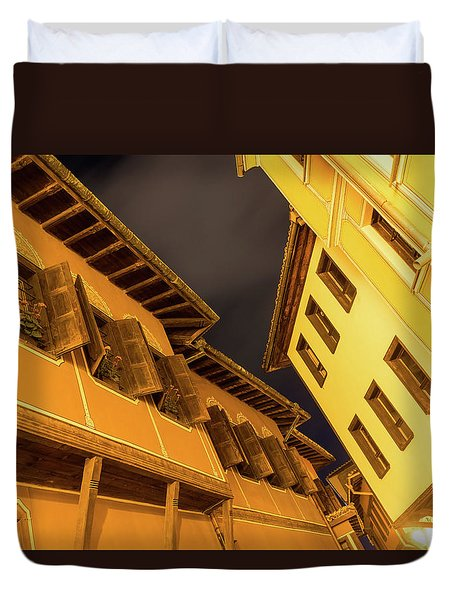 Golden Yellow Night - Chic Zigzags Of Oriel Windows And Serrated Roof Lines Duvet Cover