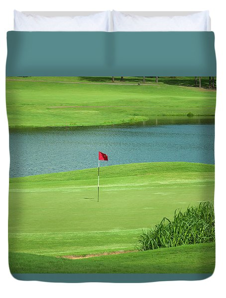 Golf Approaching The Green Duvet Cover by Chris Flees