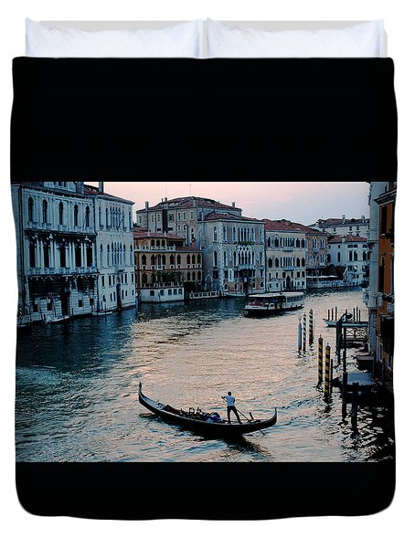 Duvet Cover featuring the photograph Gondolier On Grand Canal by Robert Moss