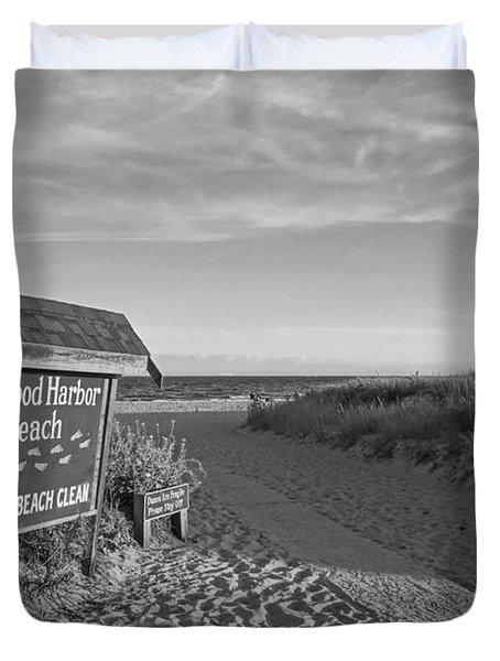 Good Harbor Sign At Sunset Black And White Duvet Cover
