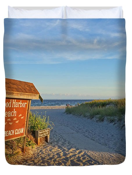 Good Harbor Sign At Sunset Duvet Cover