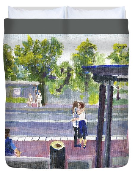 Goodbye Kiss In Gothenburg Sweden Duvet Cover