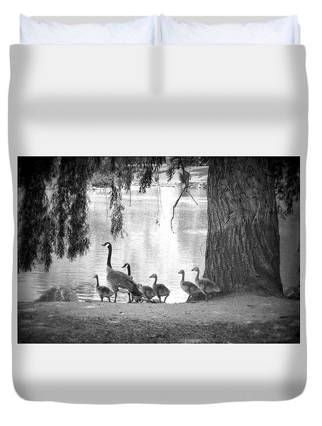 Goslings Bw7 Duvet Cover by Clarice Lakota